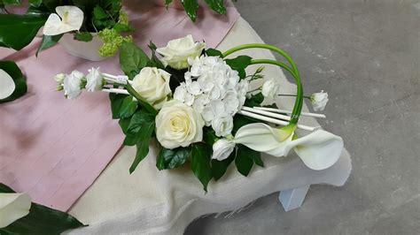 Simple Table Design by La Grange Aux Fleurs Mariage Centre De Table