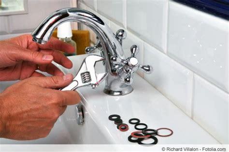 Mischbatterie Badewanne Reparieren by Mischbatterie Dusche Austauschen Waschbecken Austauschen