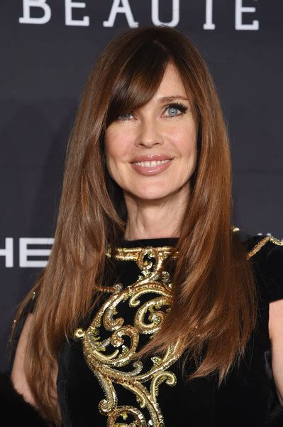 carol alt long haircut angled on the sides and falling carol alt layered cut long hairstyles lookbook stylebistro
