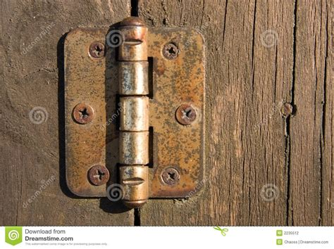 Cleaning Door Hinges by 10 Different Things You Can Use For Trusper