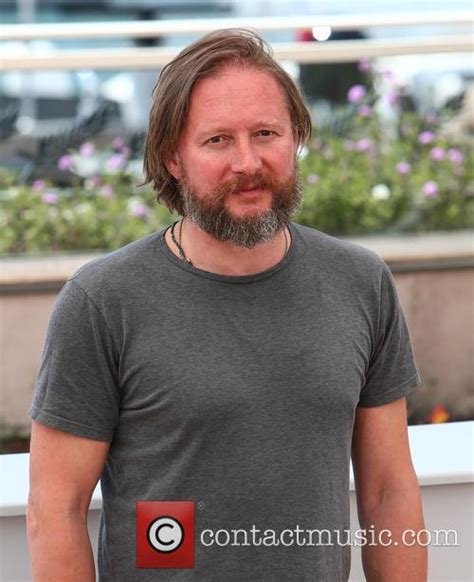 david mackenzie david mackenzie hell or high water photo call cannes 5 pictures contactmusic com