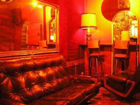 gertrudes brown couch gertrudes brown couch fitzroy melbourne inner suburbs