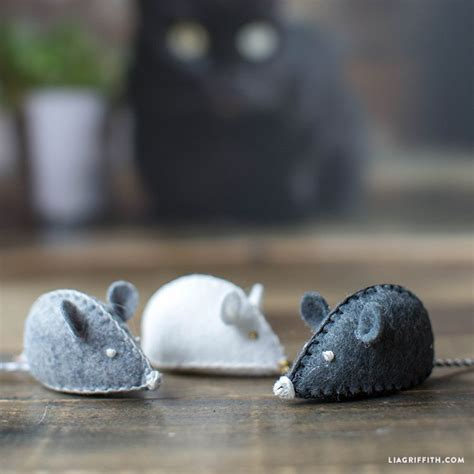 pattern for felt mice felt mouse diy cat toy felt mouse felting and mice