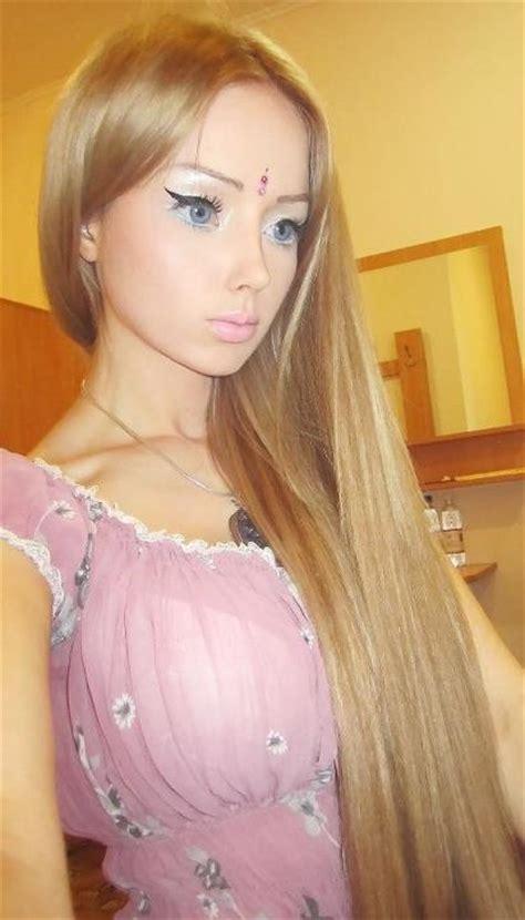 russian real life barbie valeria lukyanova 266178 valeria lukyanova world s most convincing real life
