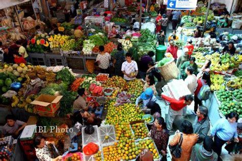 penataan pedagang pasar buah di bcb eks kantor dpu pasar gede akan diperluas solopos