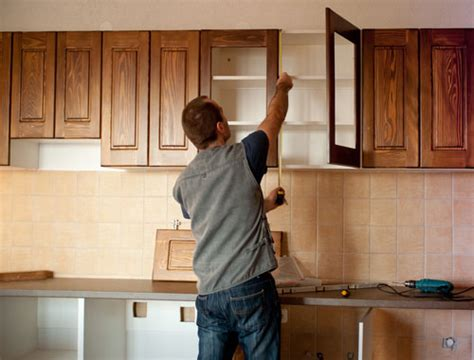 Kitchen Cabinet Repairs by How To Make Kitchen Cabinet Doors Effectively Eva Furniture