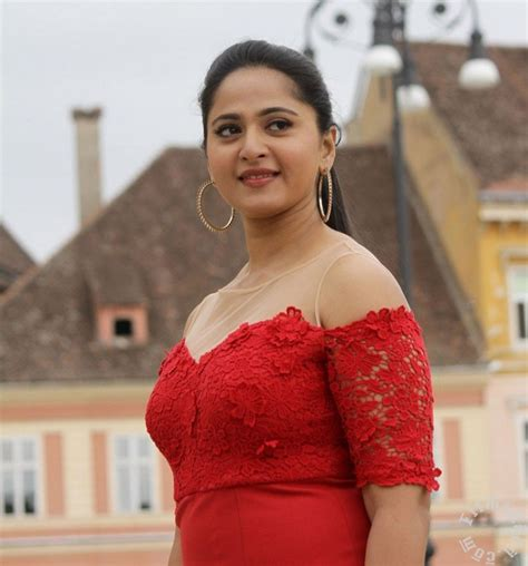 singham film actress images baahubali actress anushka shetty hot and spicy in singham 3