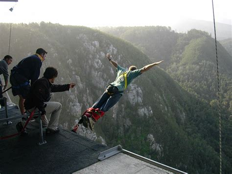 best bungee jumping top 10 highest bungee jumps in the world