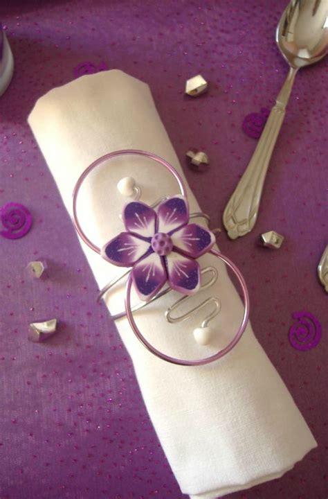 Rond De Serviette Fleur by Rond De Serviette Violet Et Blanc Fleur Sur Fil