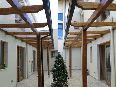 copertura trasparente per tettoia tettoia con copertura in lastre di policarbonato compatto