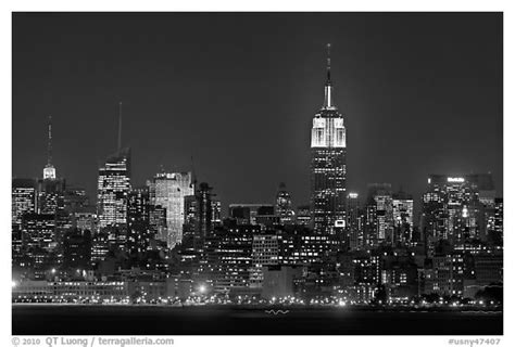 black night town black and white picture photo mid town manhattan skyline