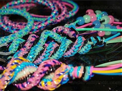 making a gimp bracelet 1000 ideas about gimp bracelets on pinterest plastic