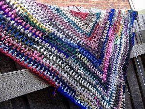 free pattern easy crochet triangle shawl simple triangle shawl allfreecrochet com