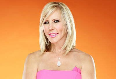 who colors and styles vicki gunvalsos hair 12 best images about hair on pinterest bobs for women
