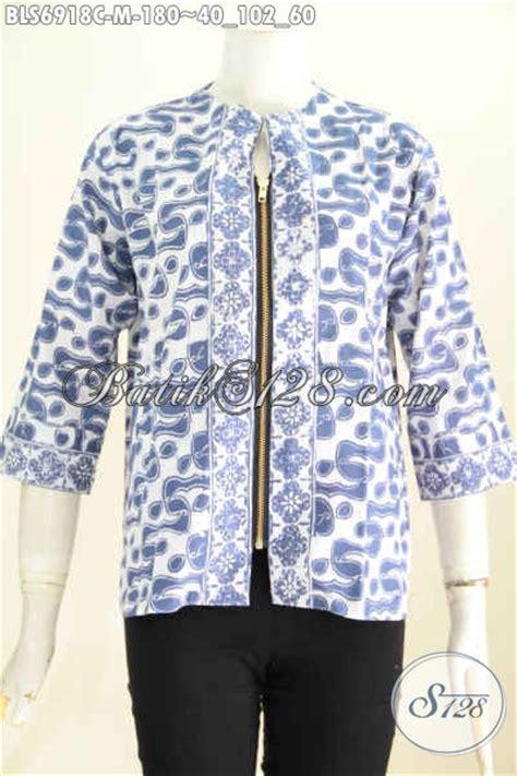 foto baju batik atasan wanita blus kantong paspol dengan