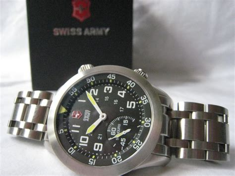 Swiss Army 400 sell junk in your trunk we sell your stuff on ebay