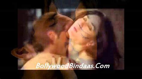 kareena kapoor bedroom photos leaked kareena kapoor and saif ali khan bedroom scene