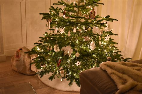 christmas tree disasters smart ways to avoid home disasters this season zing by quicken loans zing