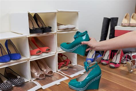 kreasi membuat rak sepatu dari kardus how to organize your closet