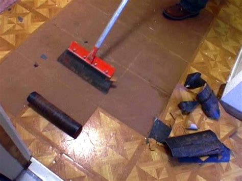 How To Remove Paint From Vinyl Floor by How To Remove A Vinyl Floor And Paint A Wood Floor