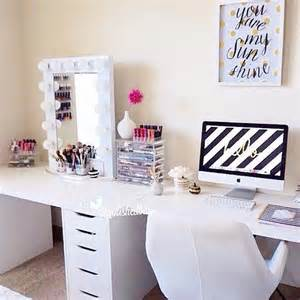 Makeup Desk Ideas 17 Best Ideas About Vanity On Makeup