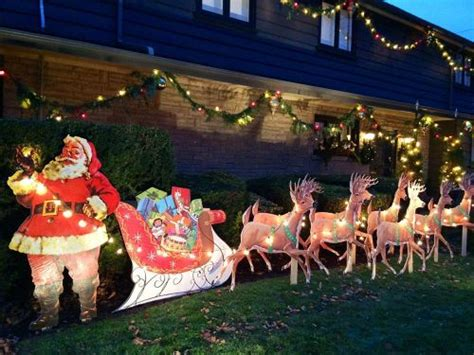 reindeer sleigh lawn decorations for christmas mike makes a u bild santa and reindeer lawn display from scratch vintage plans still available