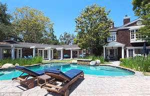 carrie fisher s home channing tatum buys carrie fisher s house in beverly hills