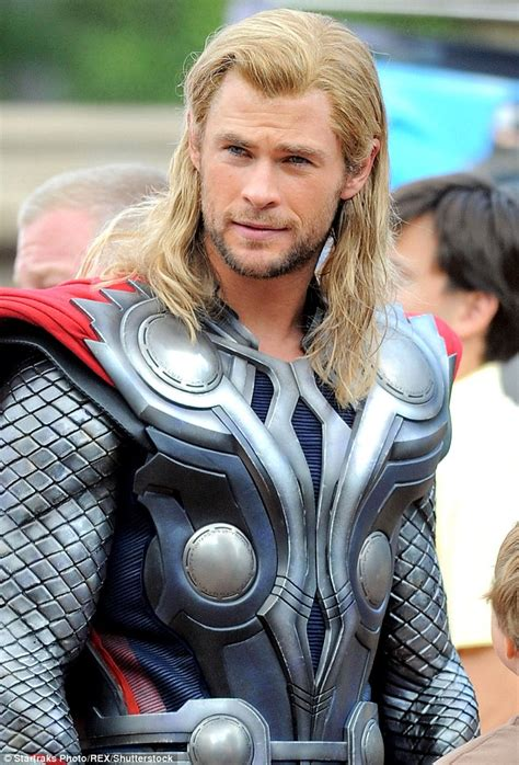 thor film actor name chris hemsworth speaks out for women s rights and