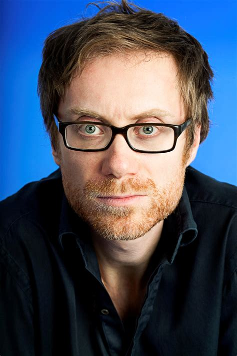 tall actor with glasses classify stephen merchant