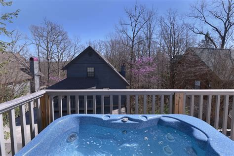 Chalets In Pigeon Forge by Pigeon Forge Two Bdrm Affordable Chalet Rental Swimming