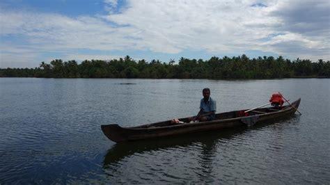 motorboat kerala new delhi sightseeing urban travel blog
