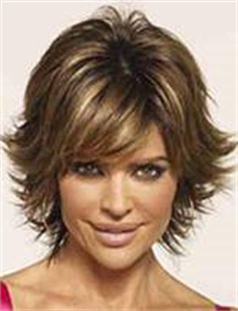 lisa rinna haircut instructions american actress lisa on may hairstylemessy shag hair