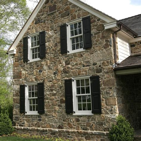 stone siding for house best 25 stone siding ideas on pinterest faux stone
