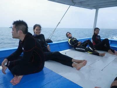 Kaos Mandi Malam Kata Kata gitskai 9 pulau pramuka diving trip
