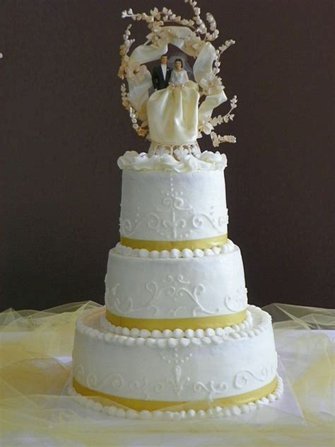 Elegant 50th Wedding Anniversary Cake Toppers to Adorn the