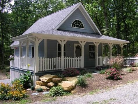 Cottage Blue Paint by Blue Cottage Blue Cottages Exterior Paint For New