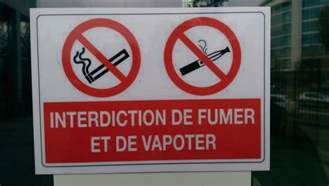 Panneau Interdiction De Fumer Dans Les Lieux Publics Cigarette Electronique Bureau De Tabac