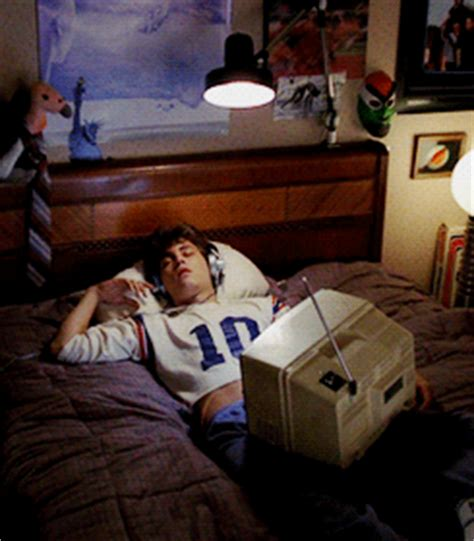 scary movie bedroom scene did you know a nightmare on elm street facts bts
