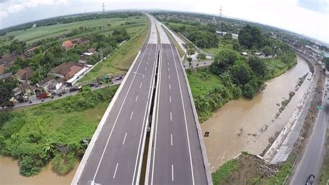 Drone Surabaya drone crash at surabaya mojokerto toll road