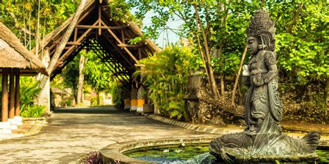 star luxury hotels resorts  bali indonesia