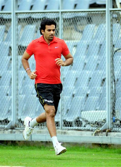zaheer khan reverse swing zaheer khan photo gallery cricket photos pictures and