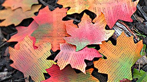 How To Make Paper Leaves - diy autumn paper leaves how to make paper leaves
