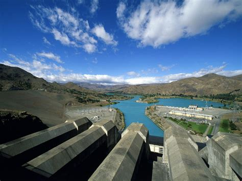 6 8 Crat Zambrud Columbia hydropower facts and information
