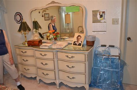 1960s bedroom furniture i have a 1960 s white french provincial bedroom set with