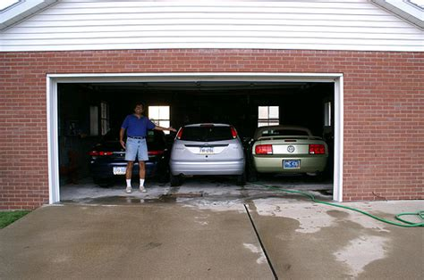 5 car garage photo