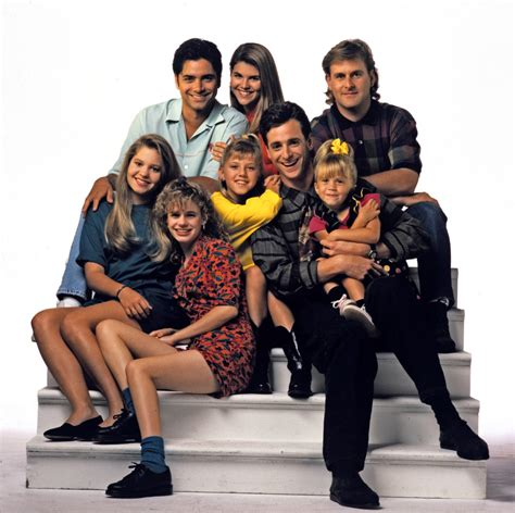 the cast of full house television sitcom full house is back with a sequel tu student news desk