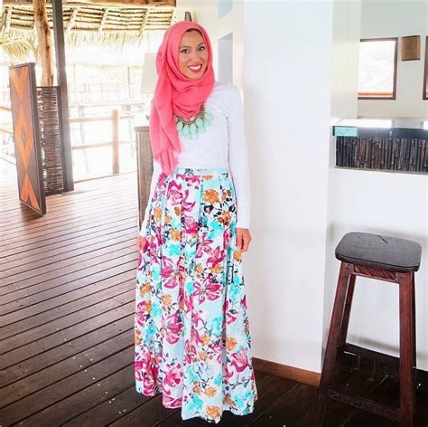 floral skirts best 25 floral skirt outfits ideas on