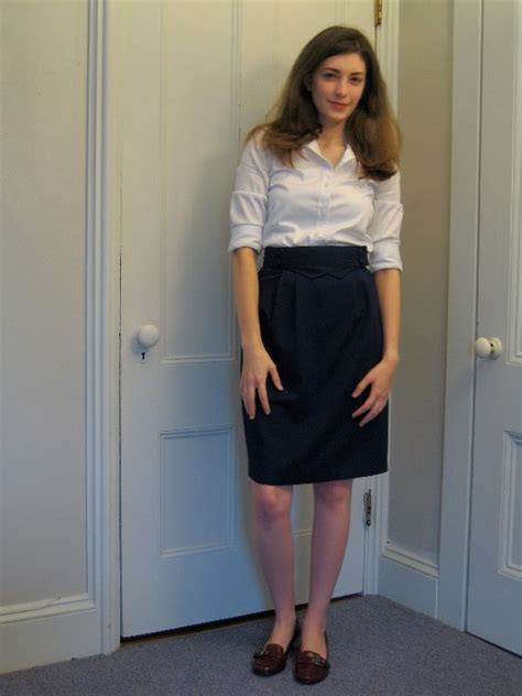 what to wear with navy skirts 10 ways to wear navy skirts