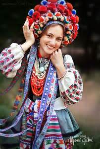 Traditional Ukrainian Women Bring Back Traditional Floral Crowns To