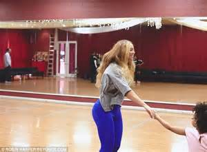 beyonc posts behind the scenes video from beat magazine beyonce posts snaps of blue ivy and chris martin before
